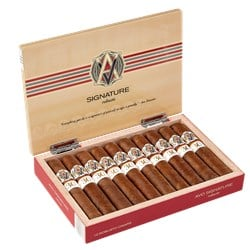 AVO 30 Years - LE AVO Signature Cigars